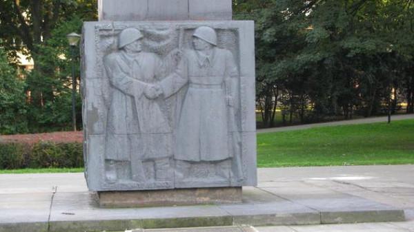 Памятник Благодарности Красной армии в Жешуве