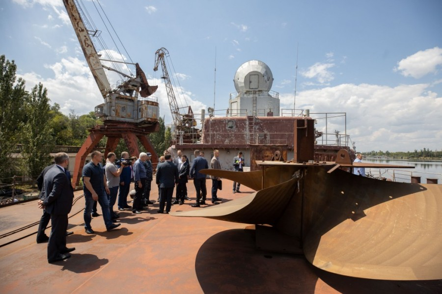 Полторак предложил президенту Зеленскому разобрать недостроенный ракетный