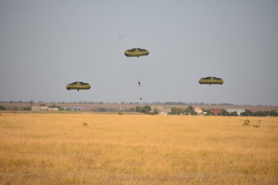 16 десантно-штурмовая бригада Великобритании и 352-ое крыло ССО США развернуты