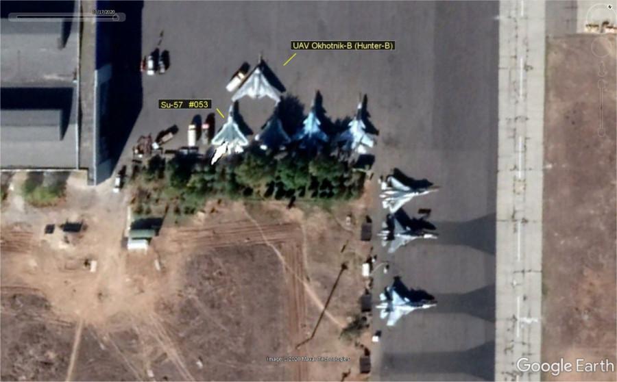 Истребители Су-30, Су-34, Су-35, Су-57 и ударный БЛА Охотник на аэр.