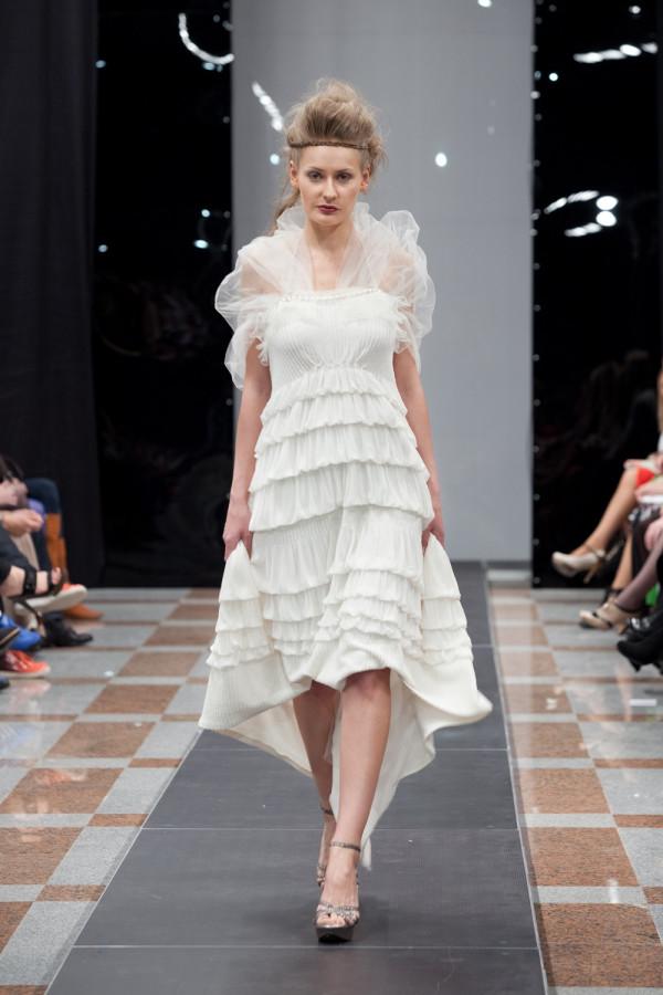 дизайнерское свадебное платье с пышной юбкой