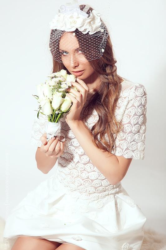свадебный женский костюм с пышной юбкой