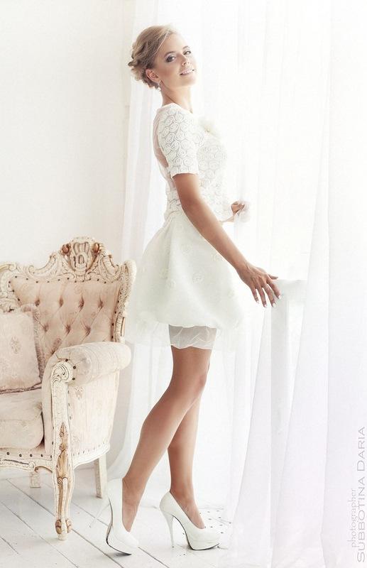 Свадебные платья с рукавами короткие