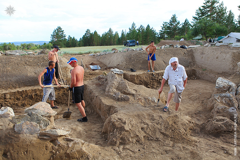 Раскопки в Оргойтоне