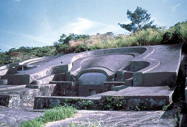okinawaturtleback_tomb_3