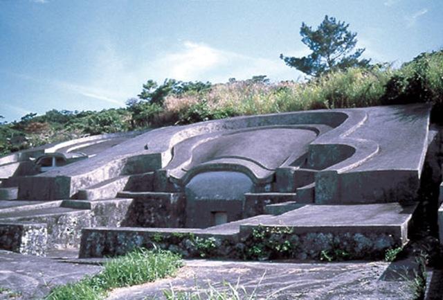 okinawaturtleback_tomb_3