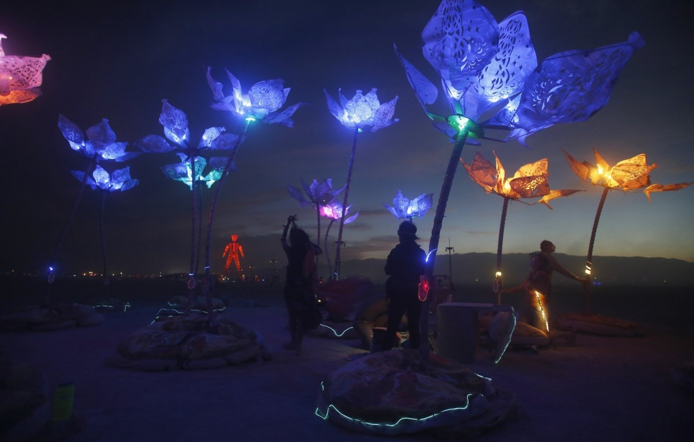 8502460-R3L8T8D-1000-chi-burning-man-20140830