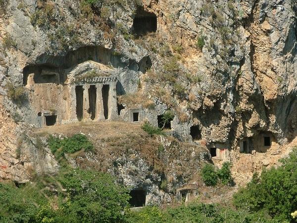 Ancient_Ruins_of_Tlos_by_emomo26