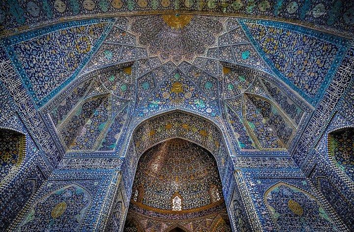 13. Мечеть-Джами-или-Пятничная-мечеть-Исфахан-Иран-–-самая-большая