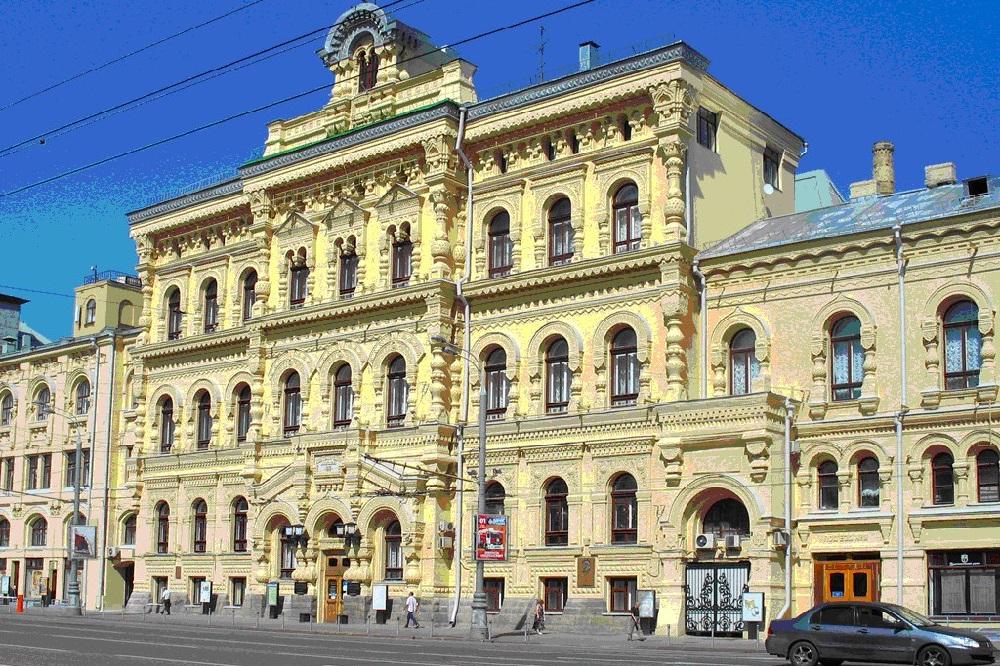 Занесенные здания. Москва, политехнический институт