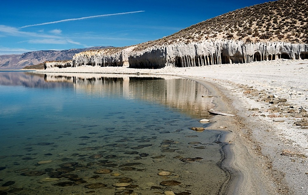 Каменные колонны озера Кроули. Живой организм, генная инженерия материи или результат выветривания?