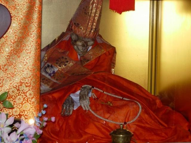 самомуфикации монахов