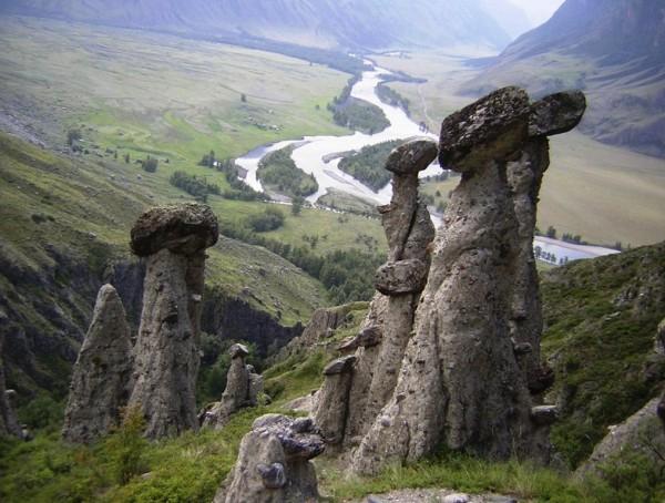 Altay-megalityi-