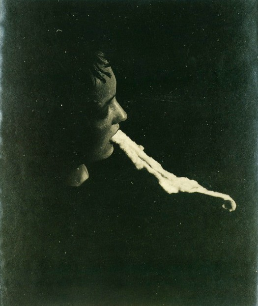 The Medium Stanislawa P.: Emission And Resorption Of An Ectoplasmic Substance Through The Mouth, Albert Schrenck-Notzing, 1913