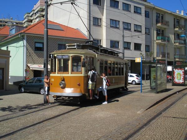 7. Трамвай