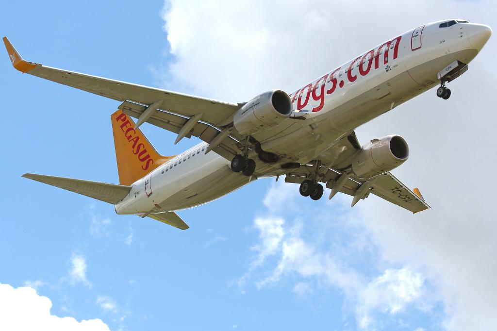 06 Pegasus Airlines Boeing 737-82R