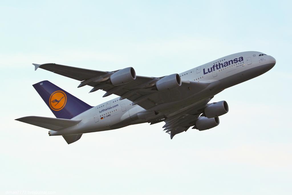 33 Lufthansa Airbus A380-841_1