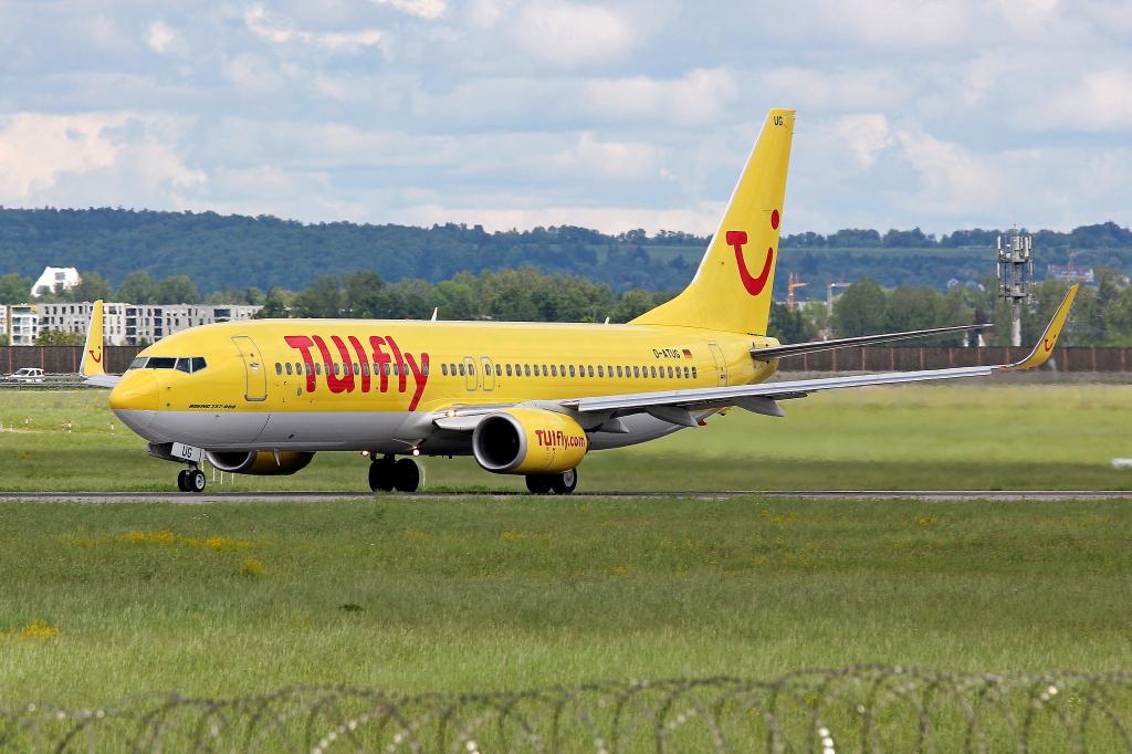21 TUIfly Boeing 737-8K5