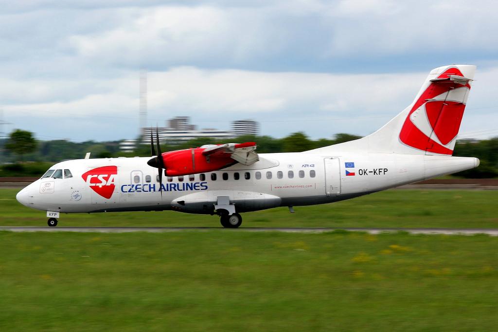 20 Czech Airlines (CSA) Aerospatiale ATR-42-500 хор