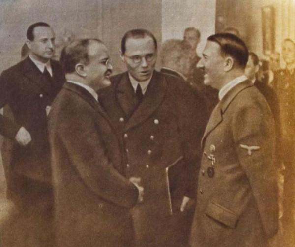 Молотов и Гитлер в новой имперской канцилярии