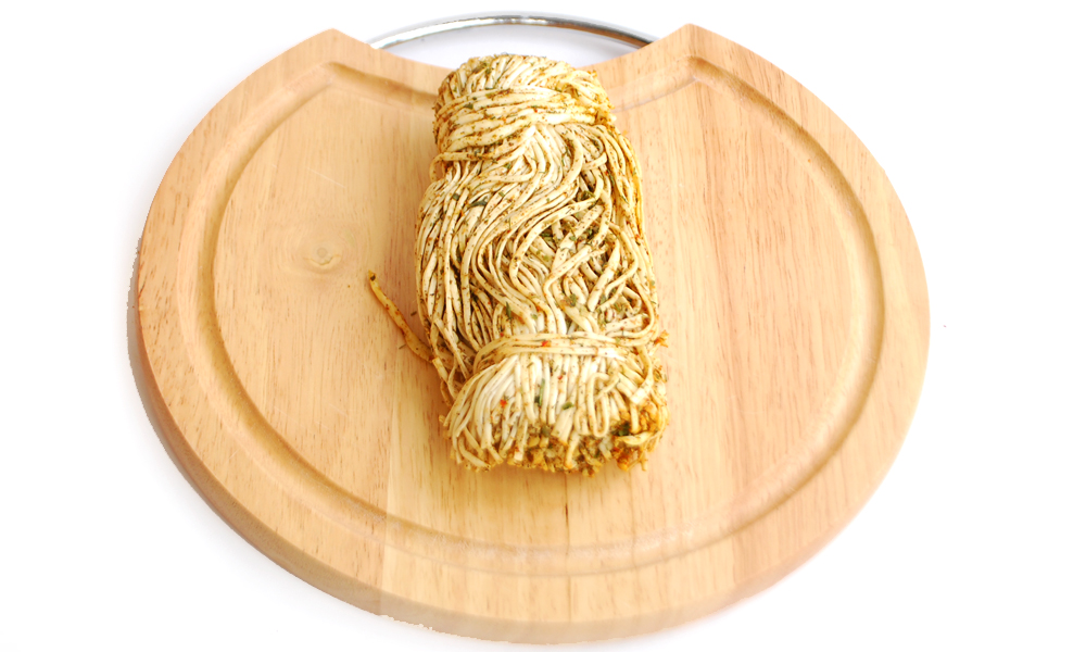 Сыр сулугуни нитка со специями (черный перец)