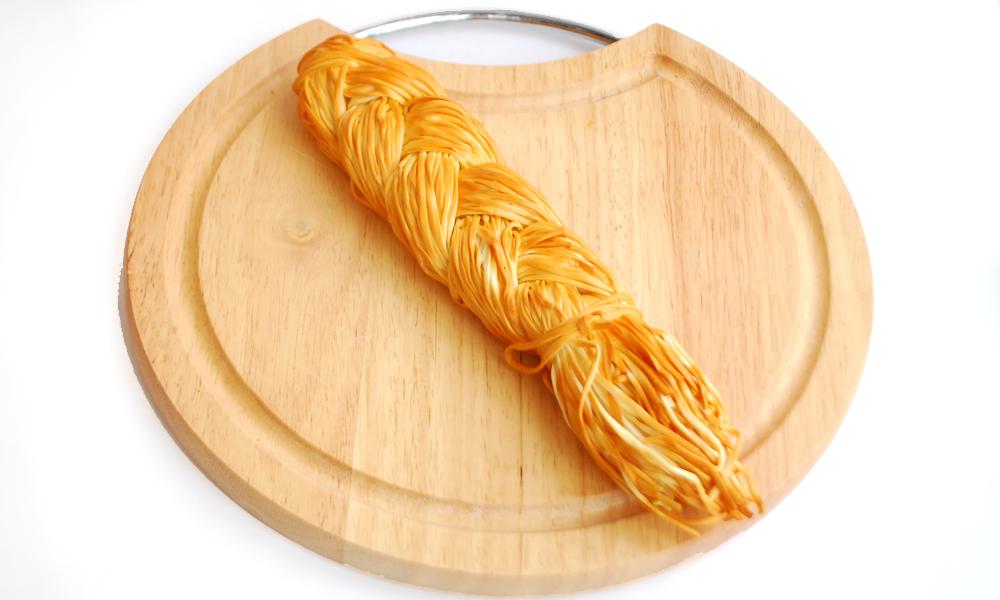 Сыр сулугуни косичка копченая