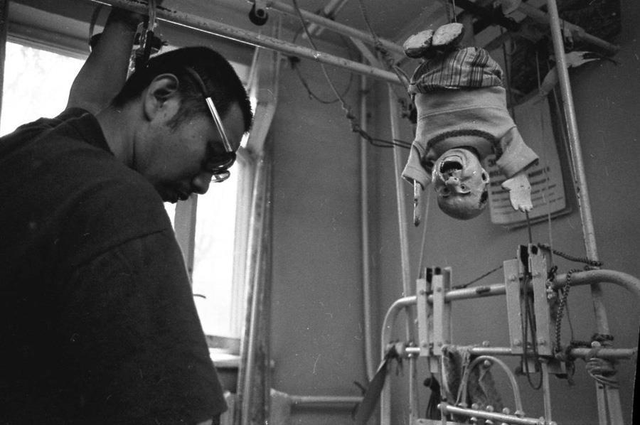 1995 Алма-ата. На « Пятницкой». В 1982 г. – глупейшая авария на буровой в один миг перевернула жизнь бурового-мастера Сергея … Судьба злодейка.