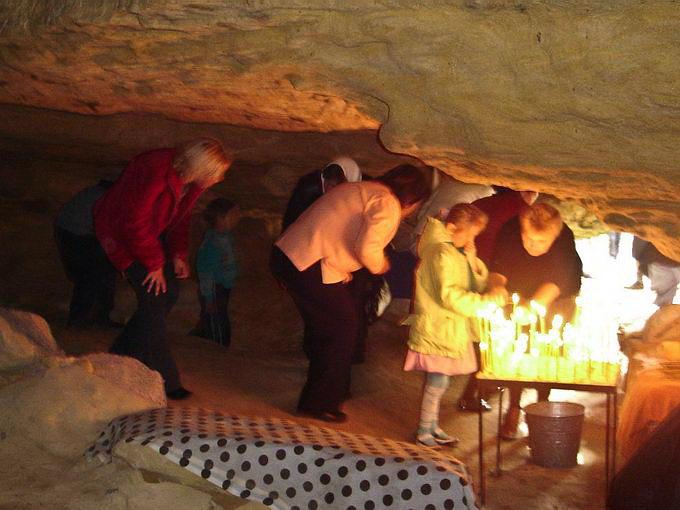 В монашеской пещере
