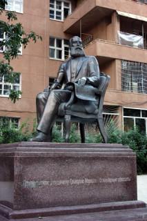 Памятник Маразли (после переноса)