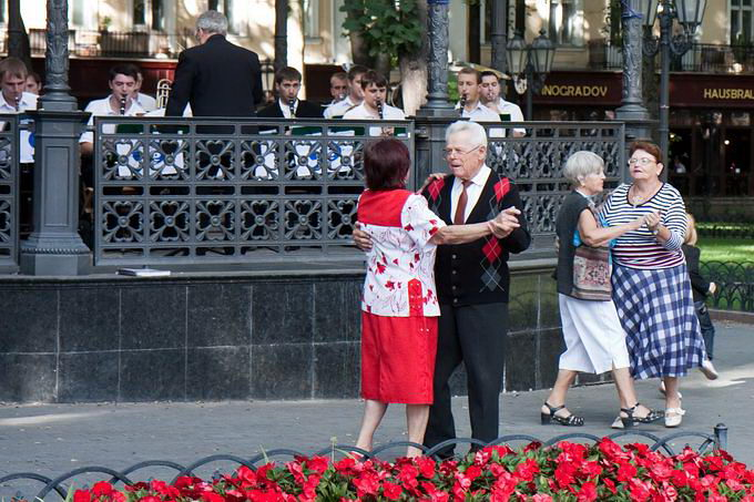 Одесса. Танцы в Горсаду