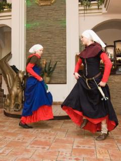 Танцы в стиле средних веков