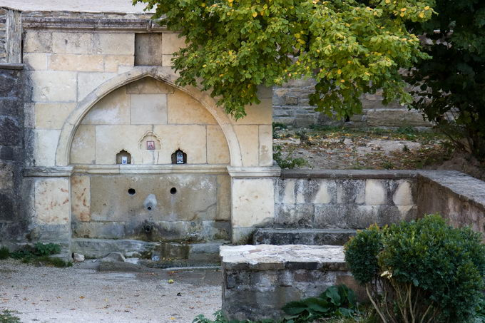 Фонтаны монастыря Сурб-Хач
