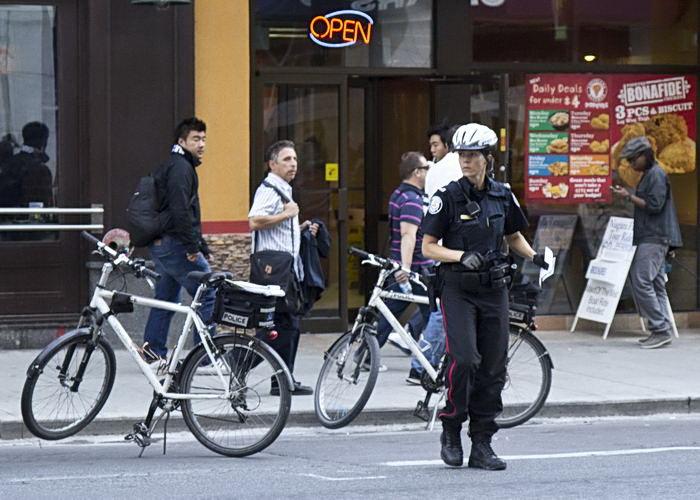 Кличко передал патрульным полицейским Киева 100 велосипедов. Цена проекта - 40 тысяч евро - Цензор.НЕТ 8774