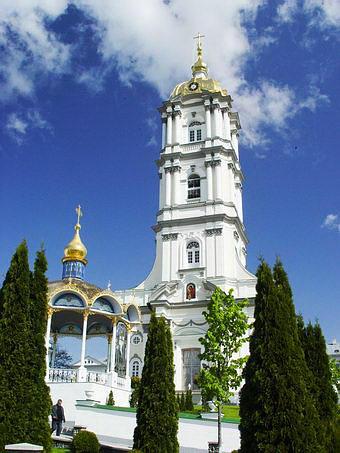 Колокольня и церковь для летних богослужений