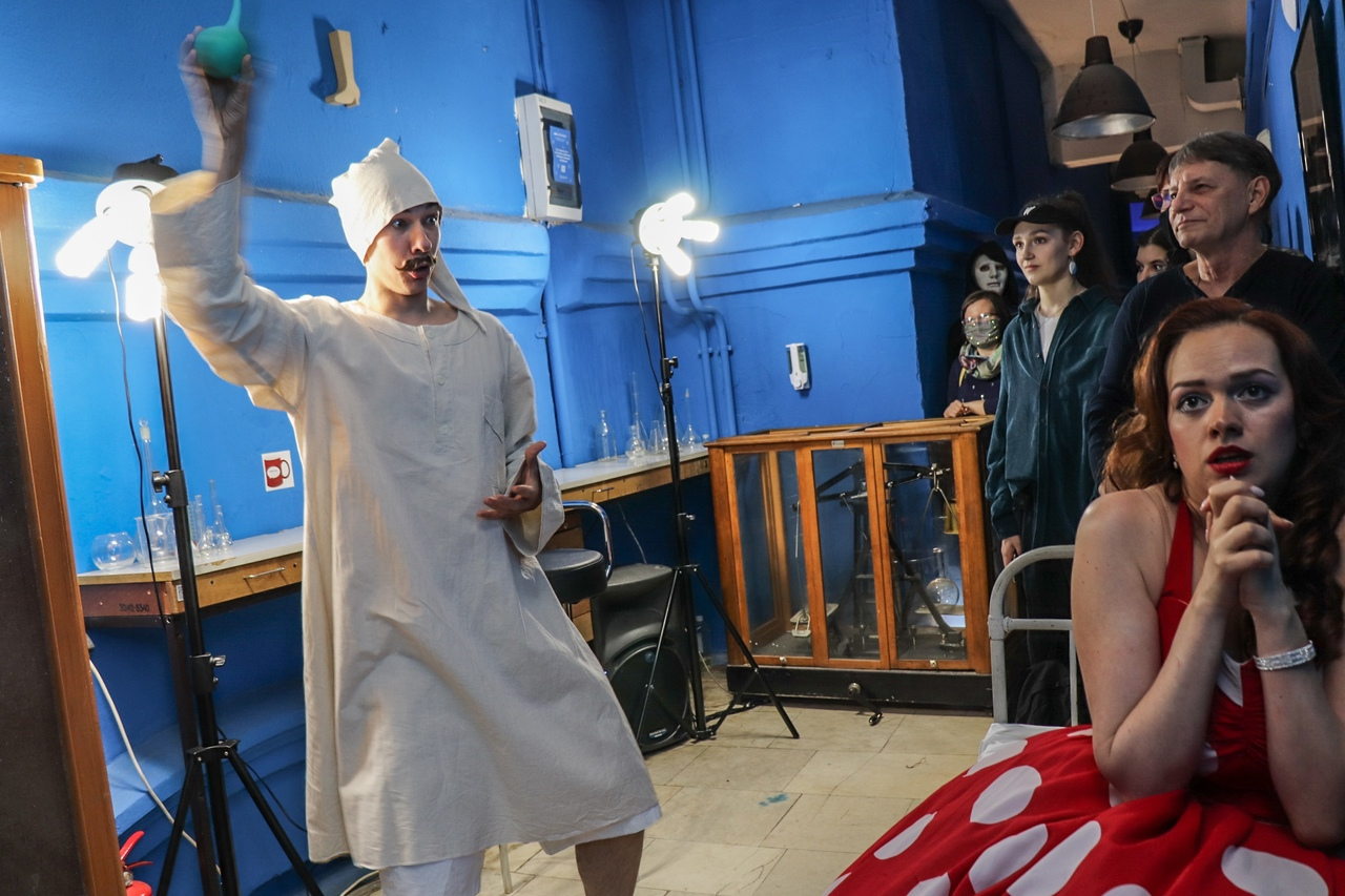 Лауретта (Дарья Батова) и Джанни Скикки (Игорь Макаров). Фото Юлии Утышевой (vk.com/yulia_ut)