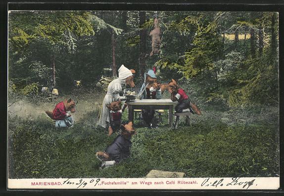 AK-Marienbad-Fuchsfamilie-am-Wege-nach-Cafe-Ruebezahl-Figurengruppe-im-Wald.jpg