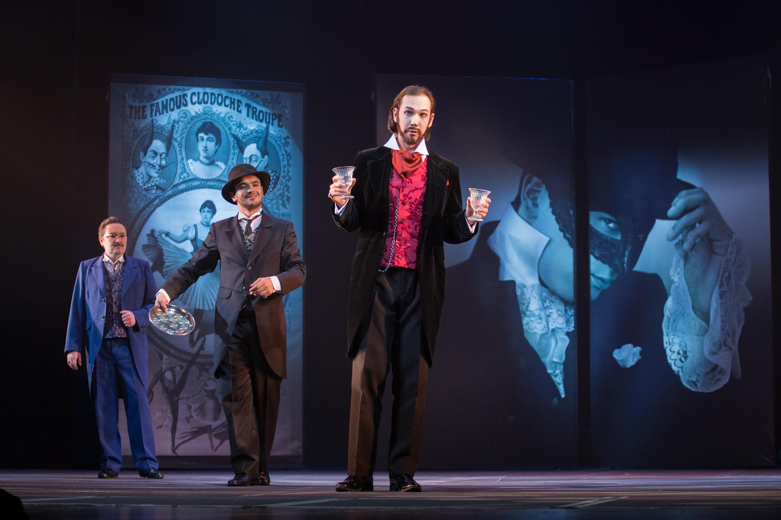 Директор цирка, Пуассон и барон де Кревельяк. Фото Виталия Голубева