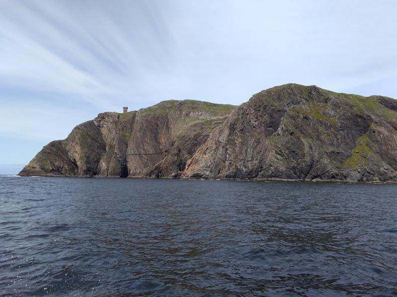Скалы Донегол, вид с катера