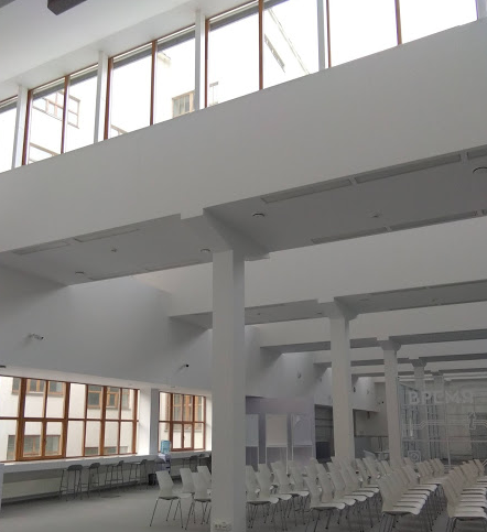Общественный корпус - второй этаж, по проекту библиотека, теперь используется как конференц-зал и офис. < /lj-cut.>
