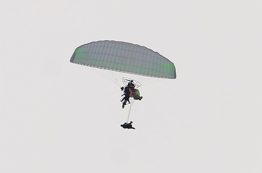 Paralet_jump1