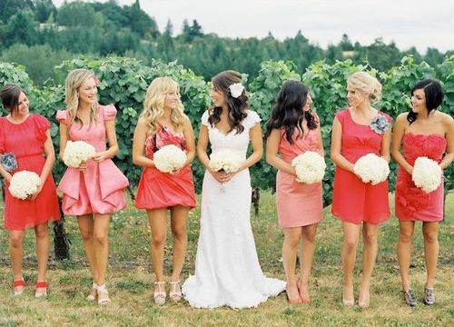 Подружки невесты в коралловом