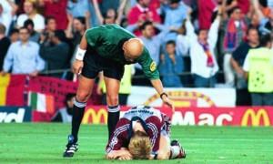 Bayern-Munich-1999-Champi-008