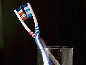 4. зубная щетка