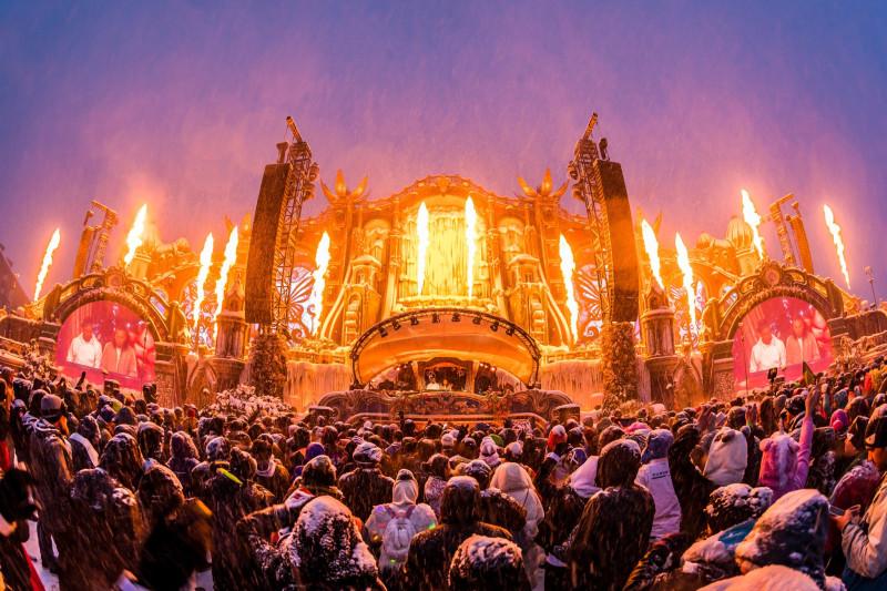 Зимняя сессия музыкального Фестиваля Tomorrowland 2019