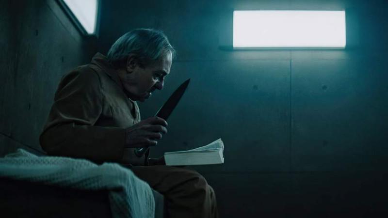 """Кадр из фильма """"Платформа"""" (режиссёр Гальдер Гастелу-Уррутия, Испания, 2019)."""