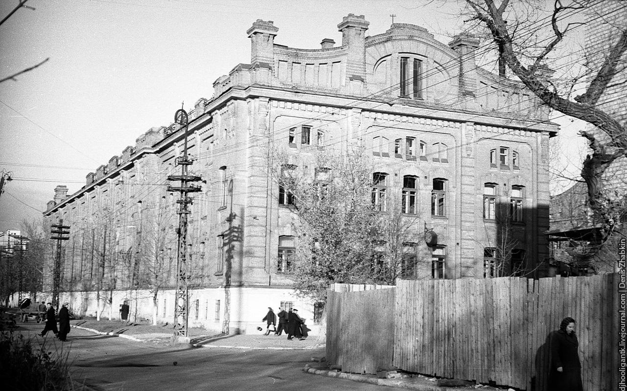 1960-е-астрахаснкая-большая казачья-бывшая электростанция.jpg