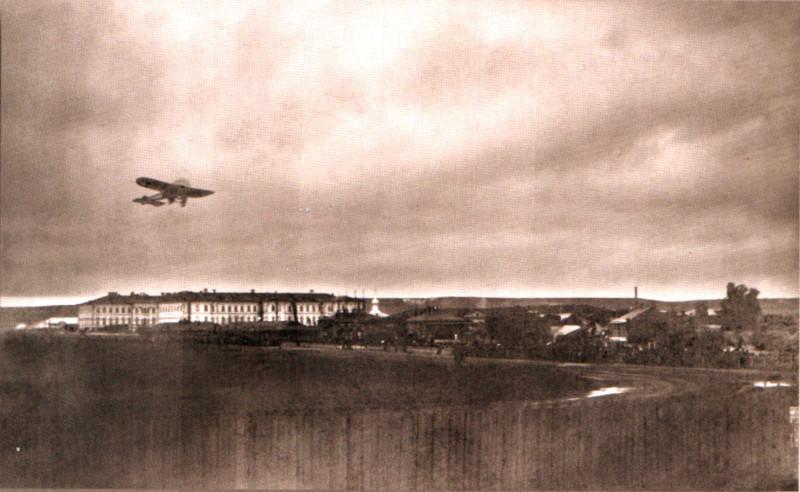 1910-первый полёт над саратовом-ипподром.jpg