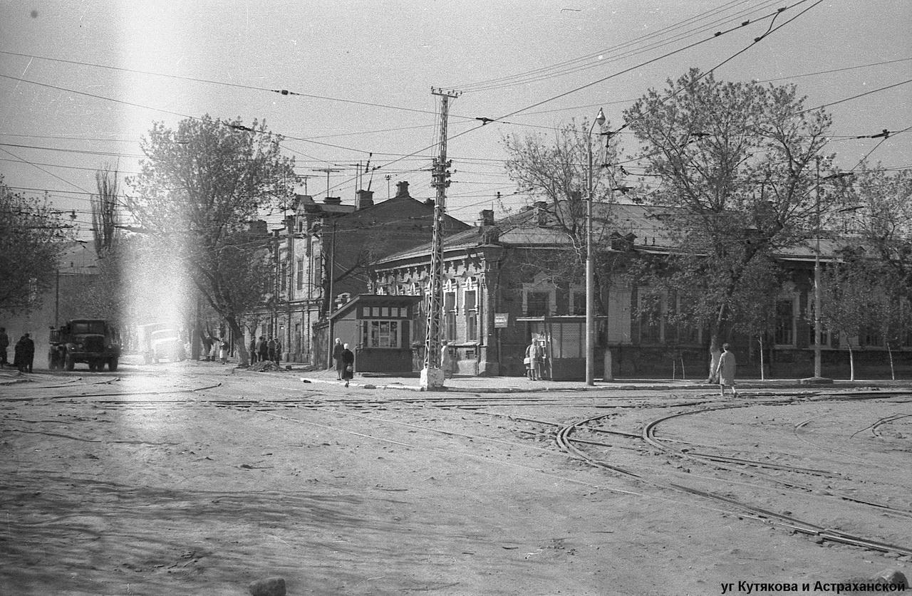 Бывшая табачная фабрика Левковича в 1960е - в центре бывший дом левковича-фото Германа Рассветова.jpg