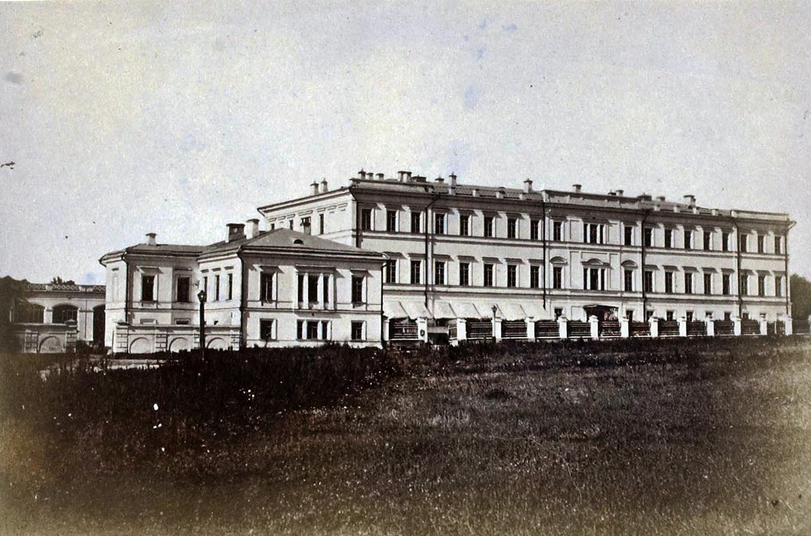 1885-мариинский женский институт 2 садовая.jpg