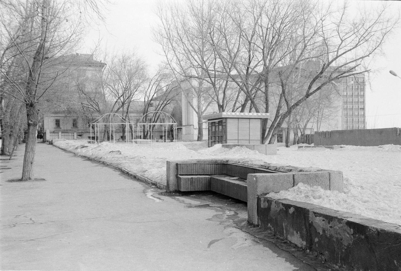 1985-сквер саргрэс дом кокуева чернышевского